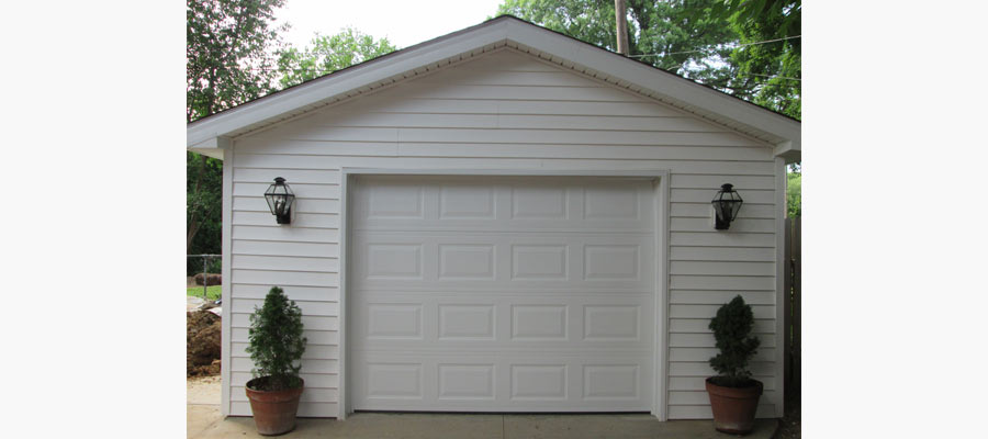 At Distinctive Design Remodeling, we have been doing garage construction in Greater Central Kentucky since 2007.