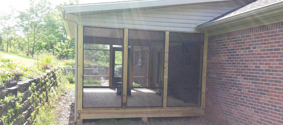Talk with the team at Distinctive Design Remodeling and let us help you with sunroom construction at your current home.